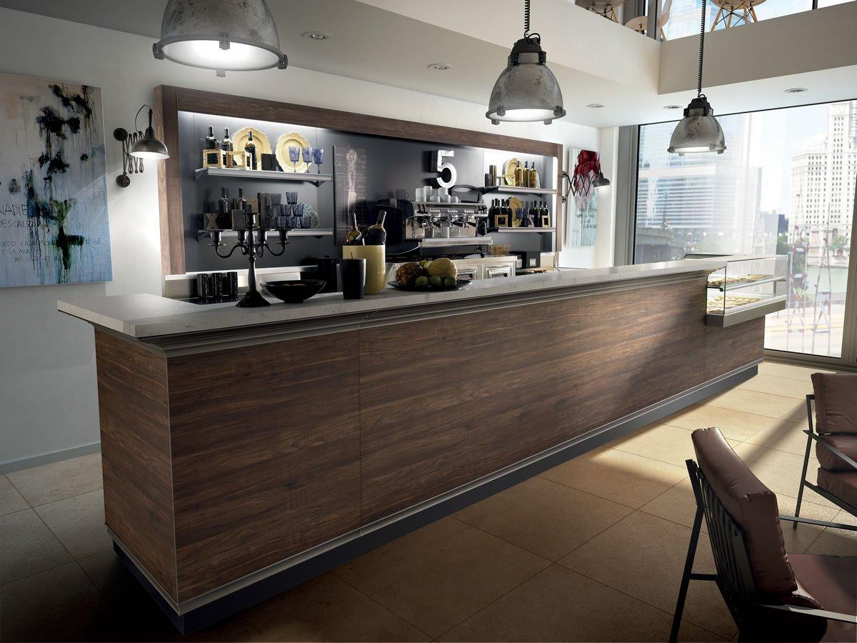 Arredare bar costruire il bancone bar con un banc vetrina for Arredamento pub usato