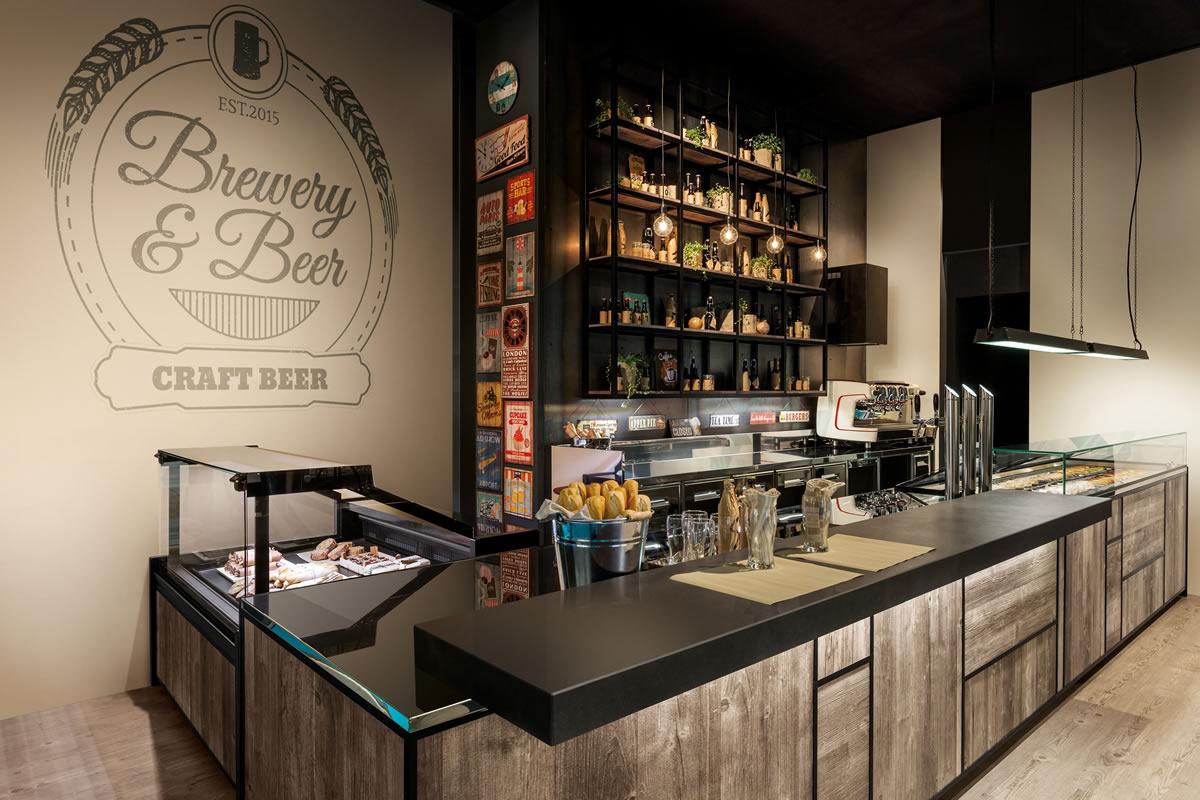 Arredo bar professionale vetrine gelato banconi bar for Banchi bar e arredamenti completi