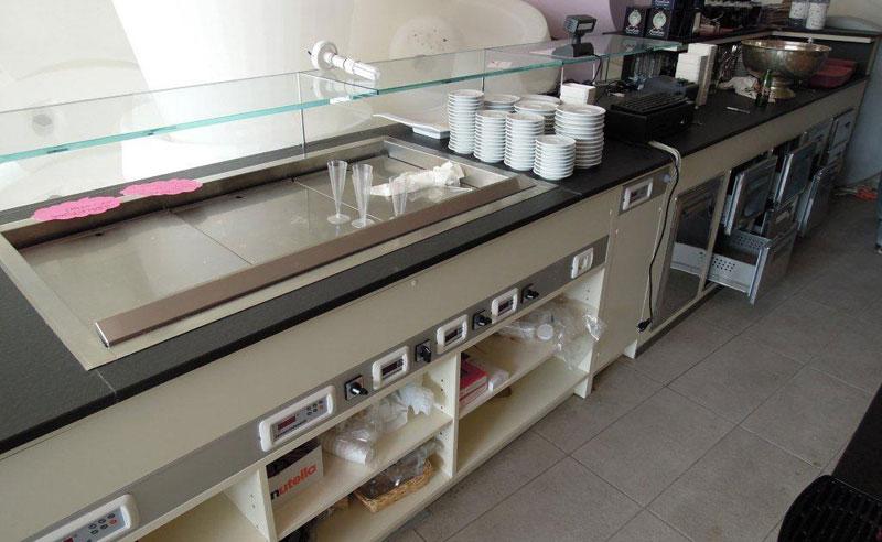 Arredare bar stesse linee stilistiche che gli arredi for Arredamento per ristorante usato