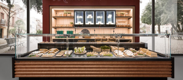 Frigomeccanica presents its new range of high-tech food showcases