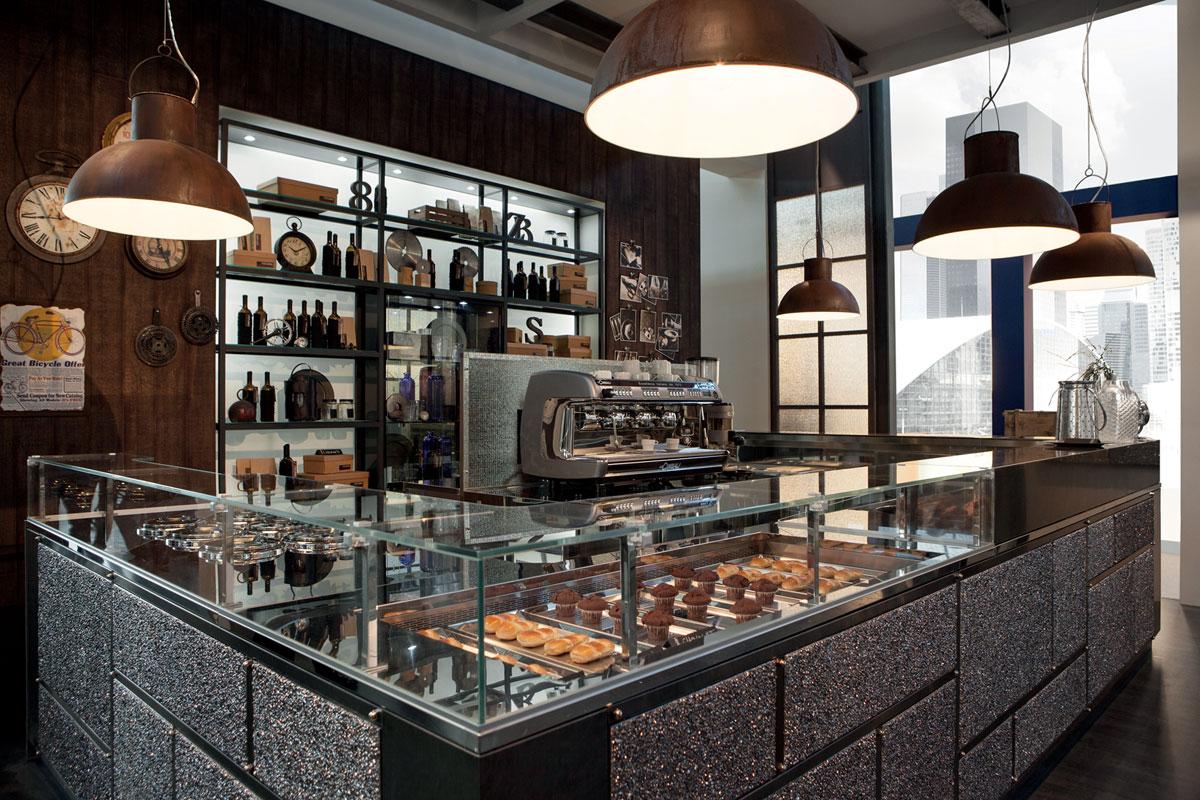 Come arredare una caffetteria for Arredamento bar