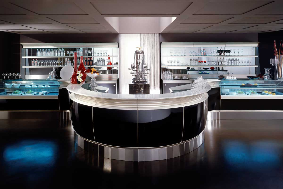 Come arredare un bar in stile classico for Ritacca arredo bar