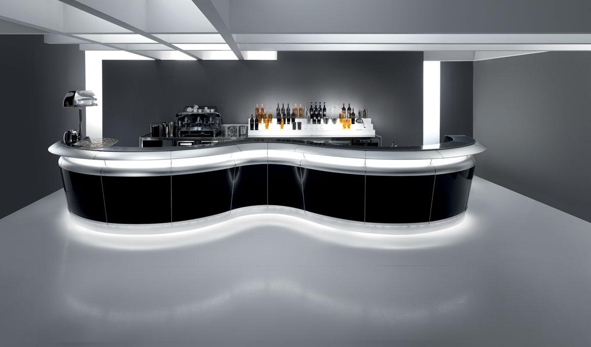 Come arredare un bar in stile classico for Arredamento stile antico